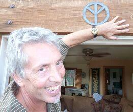 Né le 20 janvier 1914, Gérad Holtom , createur du symbole pour la paix