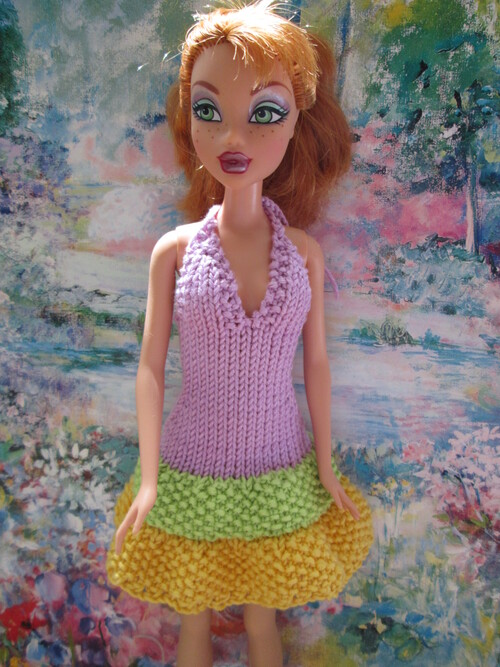 Robe pimpante pour barbie
