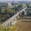le siphon sur arcades: passage sur l'Yonne et la voie ferrée