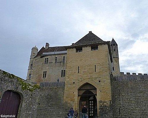 entree-du-chateau.jpg