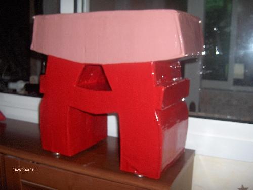 Le premier meuble en carton