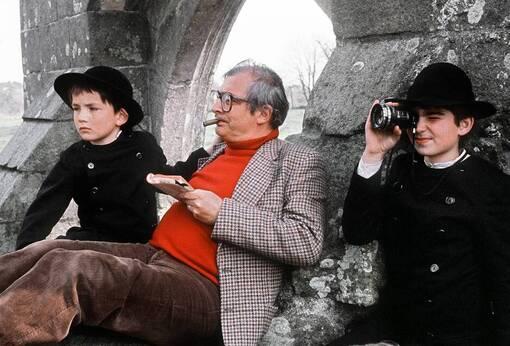Claude Chabrol aimait l'Ouest, le granit et l'océan. Ici, en 1980, dans le Pays bigouden, sur le tournage du « Cheval d'orgueil », adapté de Pierre Jakez Hélias.