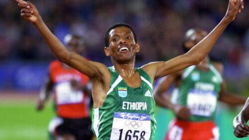 Hailé Gébrésélassié. Le coureur éthiopien arrête la compétition