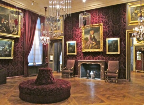 Musée chasse Pétrovitch salon de compagnie cages