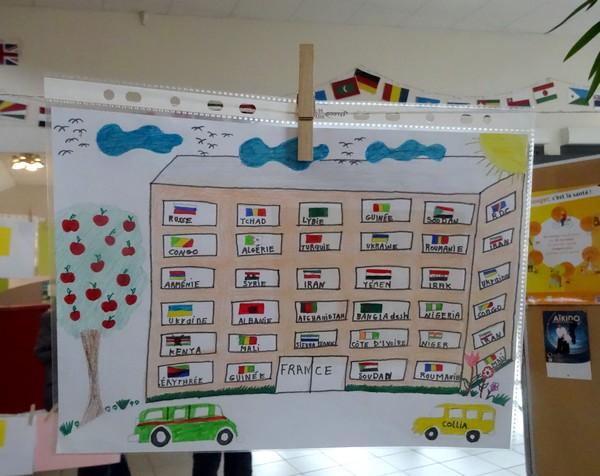 """""""La grande lessive """" proposée par le Centre Social et de Loisirs a été un grand succès...."""