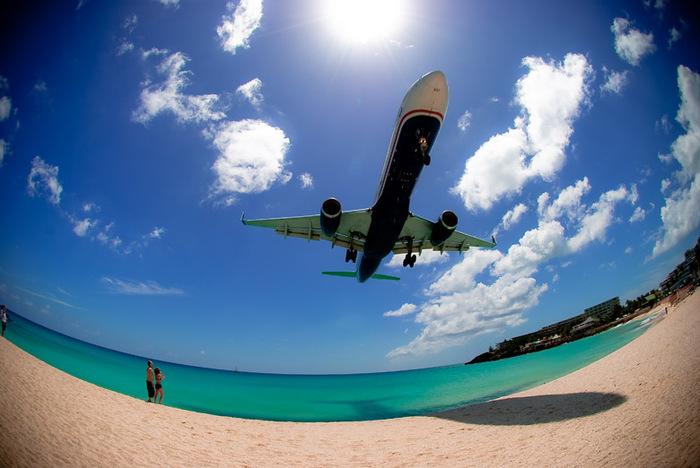Maho Beach, cette plage au contact rapproché avec les avions