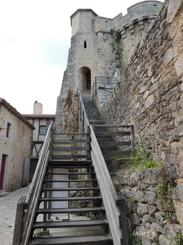 Parthenay, la tour St Jacques.