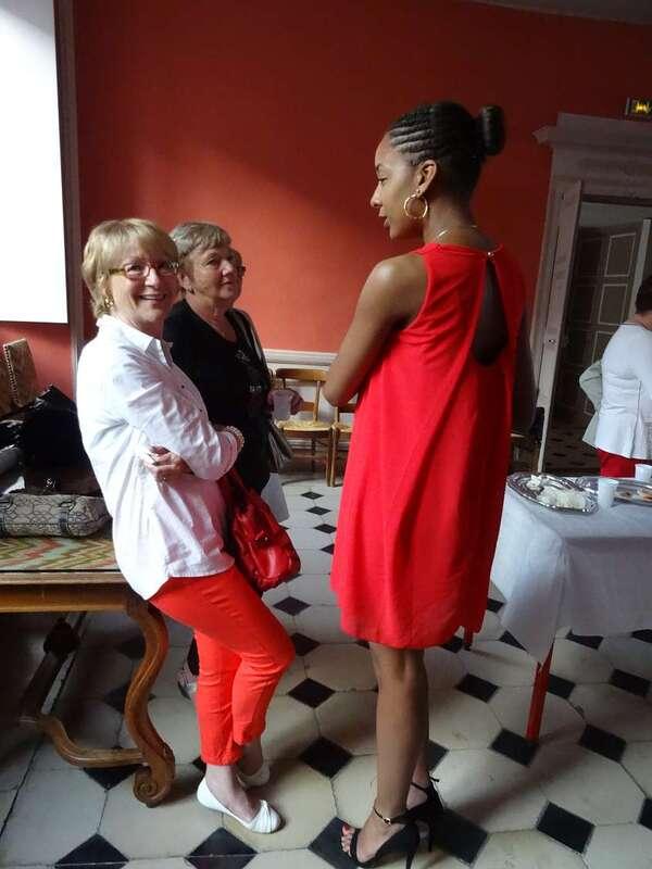 Cannelle Nemor, Miss Côte d'Or 2015, est venue rendre visite au Comité Miss Côte d'Or !