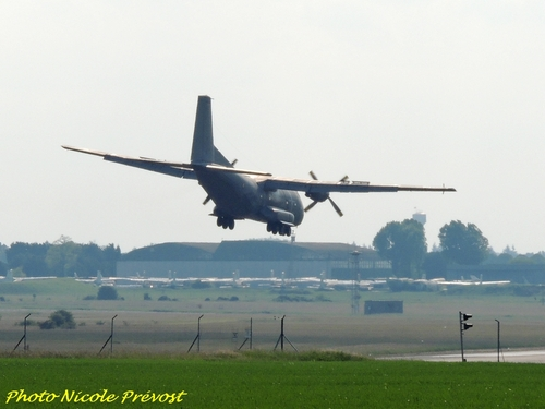 Le meeting de Chateaudun vu par Nicole Prévost, toujours aussi passionnée d'aviation !