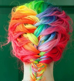 Cheveux treeeeees colorés........:/