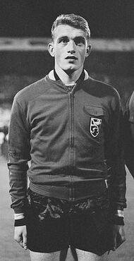 Paul Van Himst 1964.jpg