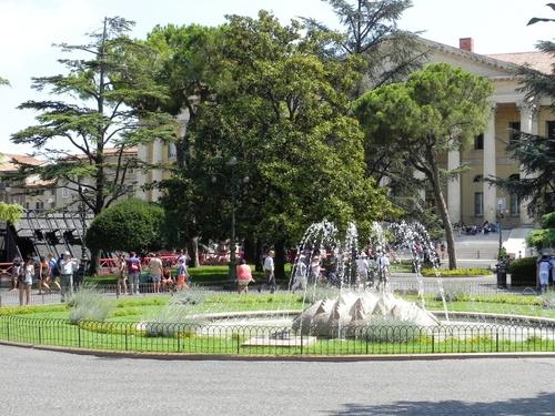 Vérone, autour des arênes et du balcon de Zuliette (photos)