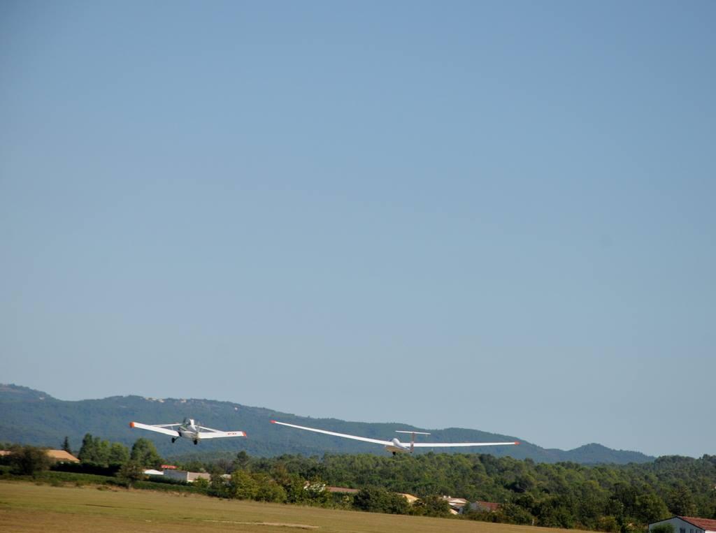 Dernière visite de planeurs avant notre départ de Fayence  !