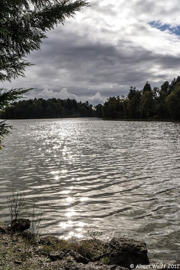Nuages sur l'étang