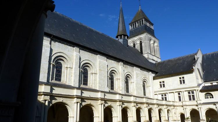 Galerie de l'église abbatiale