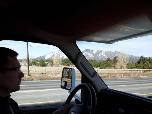 En route vers Monument Valley...petit passage a Flagstaff route 66