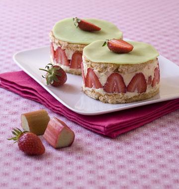 Photo de la recette : Fraisiers à la rhubarbe