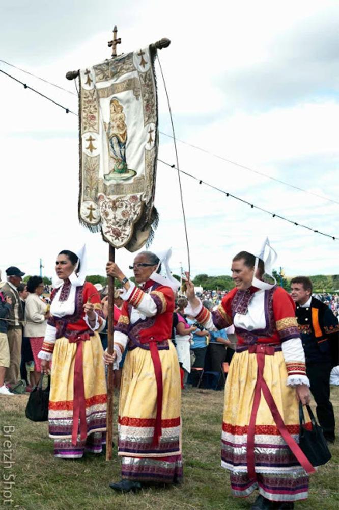 costume féminin - sainte-anne-la-palud