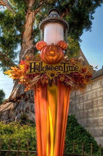 halloween-time-main-street-755x755