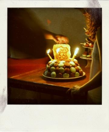 Pièce montée au caramel et sa ganache recouverte de macaron (pour l'anniversaire de mon père)