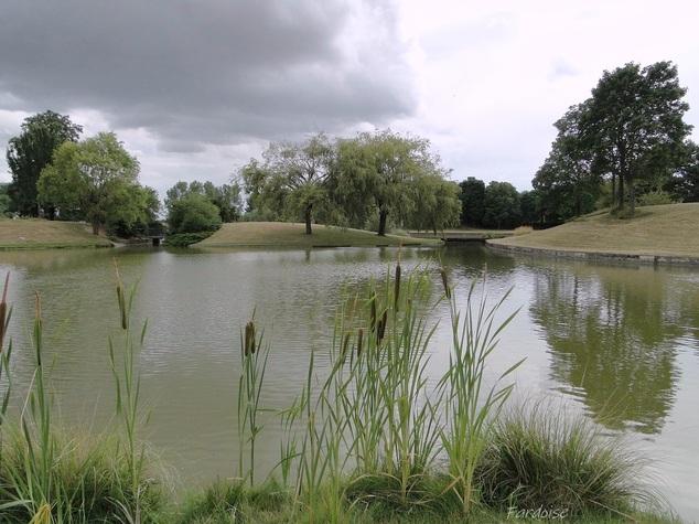 Le château d'eau et son parc