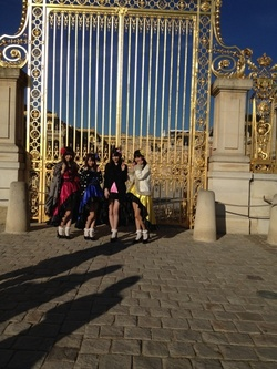 Morning musume Paris Versailles France 2012