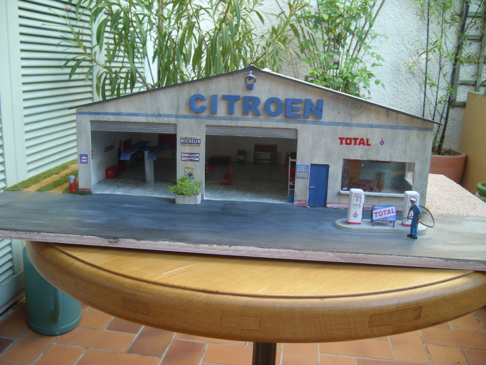 Dioramas de thierry voitures garages agricoles for Garage automobile chatellerault
