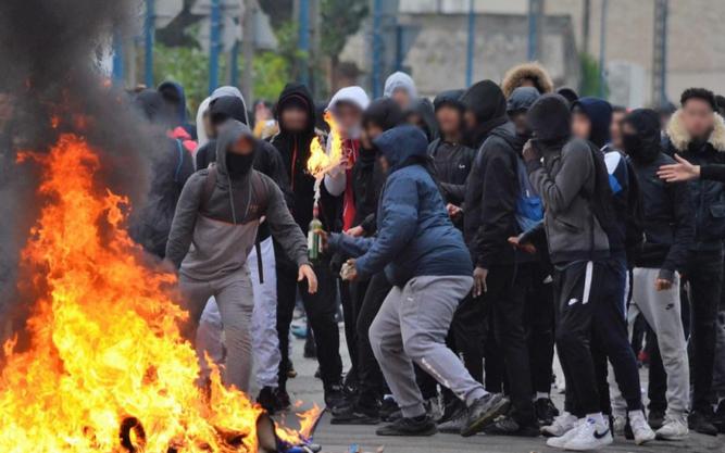 émeutes mantes la jolie 5 décembre 2018