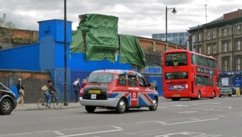 Londres-Hackney-affiche-bache-bleu-travaux---8173.jpg