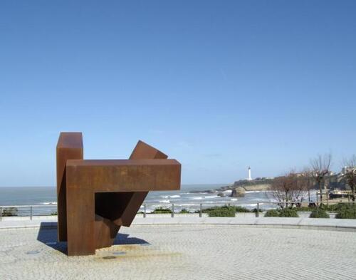 '' El caserio vasco '' de Jorge de Oteiza