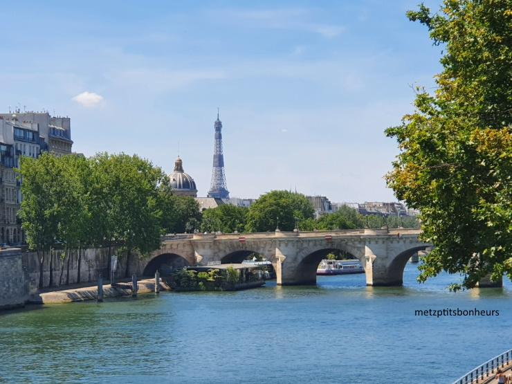 Paris déserté?....