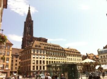 109-Place Gutemberg et cathédrale
