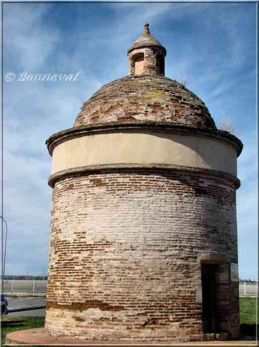 Carbonne Haute-Garonne Colombier de Dupau 16ème siècle
