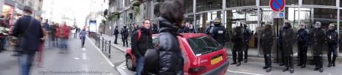 CRS devant la mairie - 8 décembre, manifestation contre l'aéroport Notre Dame des Landes (2)