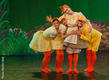 1-Northern-Ballet's-Ugly-Duckling-Photo-Martin-Bell