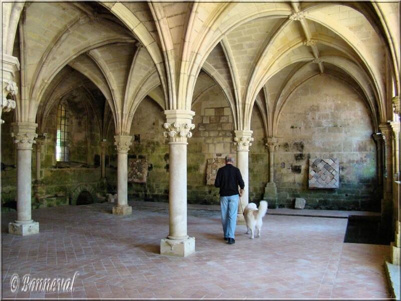 Abbaye de Fontdouce 12 ème siècle Charente-Maritime la Salle Capitulaire
