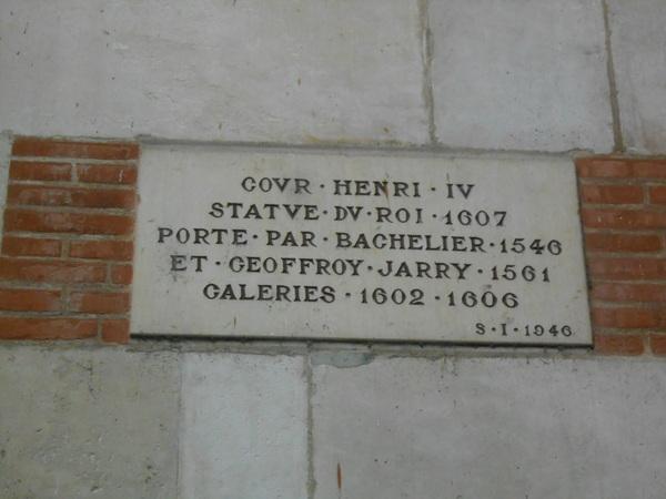 Hôtel de Ville Cours Henri IV