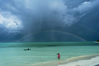 places-winner-into-the-green-zone-onuk-island-balabac-palawan-philippines
