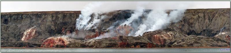 """Escale terminée, un dernier coup d'œil sur ces merveilleuses """"Collines Fumantes"""" avant l'appareillage de l'Austral - Smoking Hills - Cape Bathurst - Territoires du Nord-ouest - Canada"""