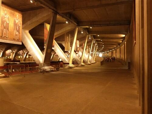 Lourdes - Basilique souterraine