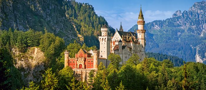 Le Château De Neuschwanstein Ouvert Malgré Les Rénovations -