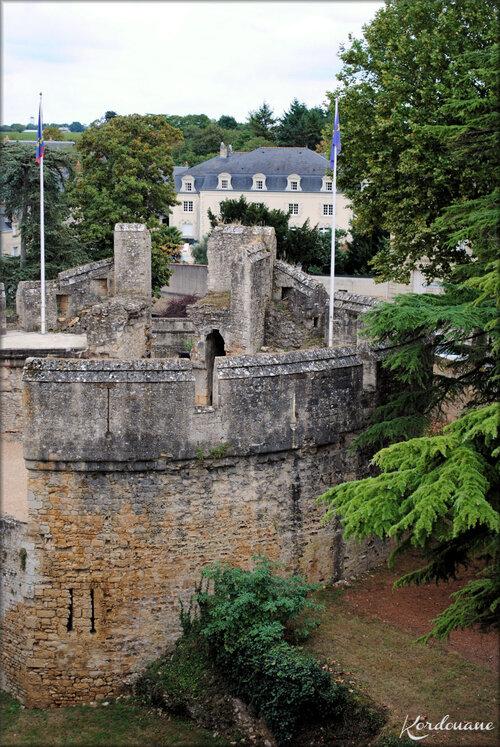 Photos du chemin de ronde du château de Montreuil Bellay