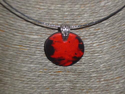 Bijoux encore du rouge et noir