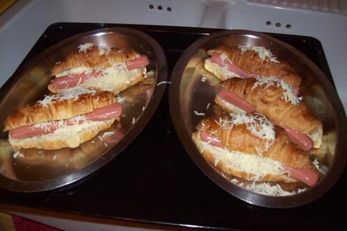 Recette express : Croissant au saucisse et béchamel