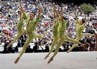 dance ballet outdoor ballet public scenes