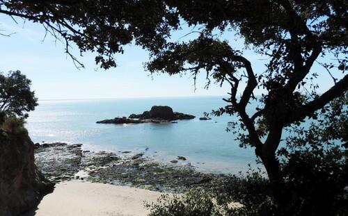 Sentier côtier par grand beau temps...