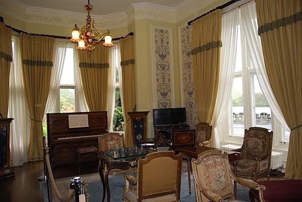 Abbaye-de-Kylemore---Interieur---Le-salon.jpg