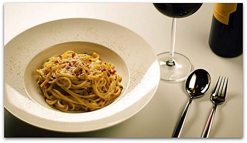 800px-Spaghetti alla Carbonara