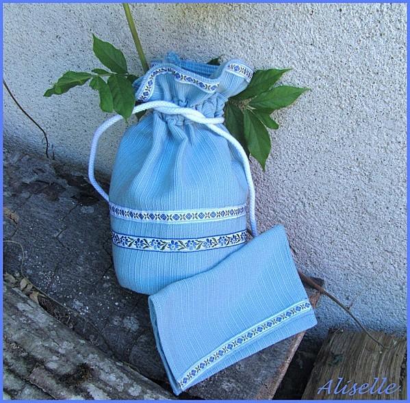 Pochon-rubans-bleu.jpg
