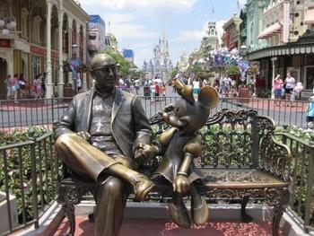 disney-world-mini-statue-main-street